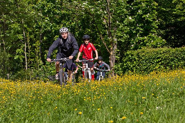 2013-09-23_pressemitteilung_mountainbikeausfahrten_anlage-001