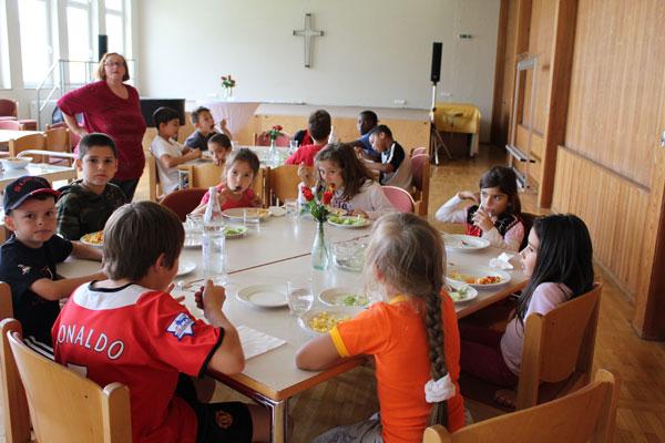 img_0960-kindermittagstisch