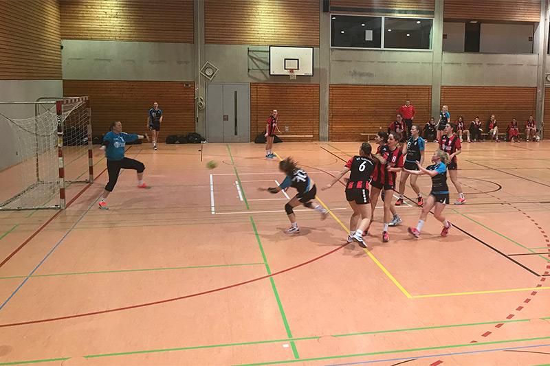 20180128_damen1_vs_sg_schorndorf_fackel_ab_ins_tor_web