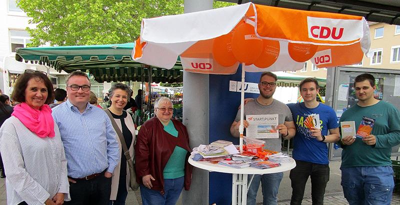 foto-01-die-weilimdorfer-cdu-kandidaten-auf-dem-wochenmarkt-in-weilimdorf-17052019