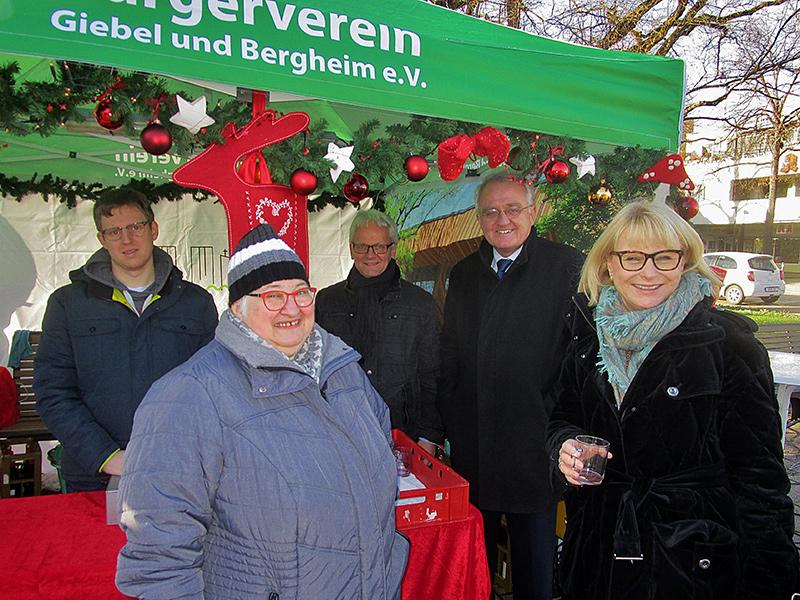 rainer-wieland-cdu-mdep-und-karin-maag-cdu-mdb-auf-dem-weihnachtsmarkt-in-giebel-14122019