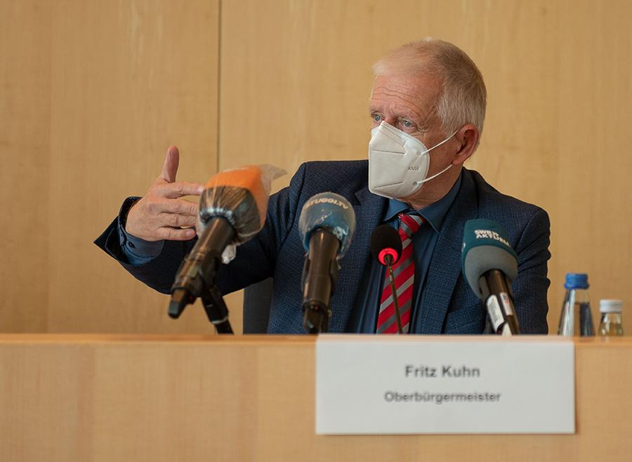 lhs-ob-kuhn-ueber-die-massnahmen-zur-eindaemmung-der-corona-pandemie_rechte-lhs_foto-leif-piechowski_09102020