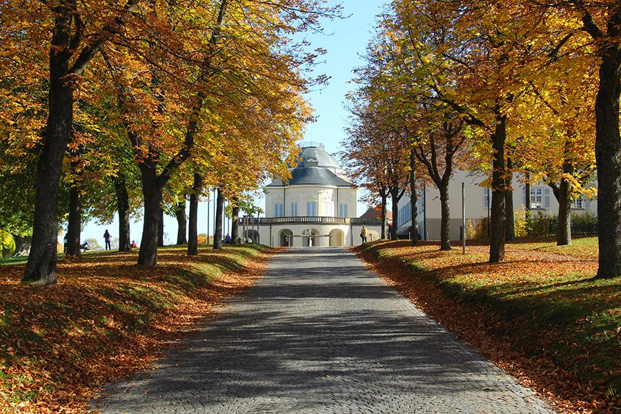 Schloss Solitude im Herbst, Foto © Hans-Martin Goede
