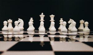 Schachspiel, © https://www.pexels.com/de-de/foto/brettspiel-gewinnen-intelligenz-kamerad-814133/