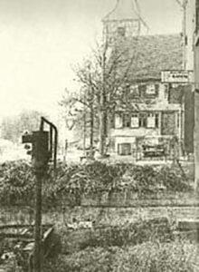 alte Miste vor der Oswaldkirche, Bild aus dem Archiv des Weilimdorfer Heimatkreis