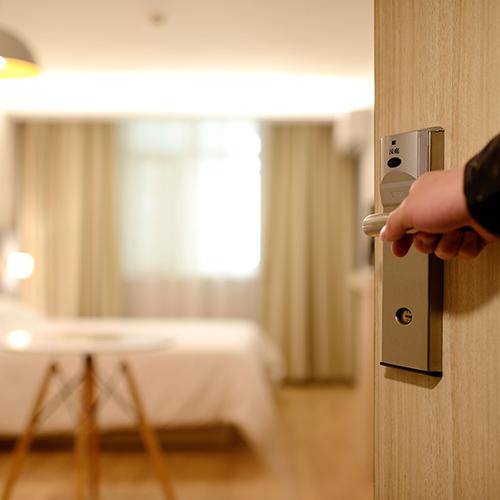 hotel-pexels-pixabay-271639