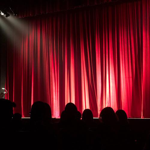 theater-pexels-monica-silvestre-713149