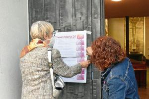 Thesenanschlag auch an der Tür von St. Theresia. Foto: Uwe Tommasi