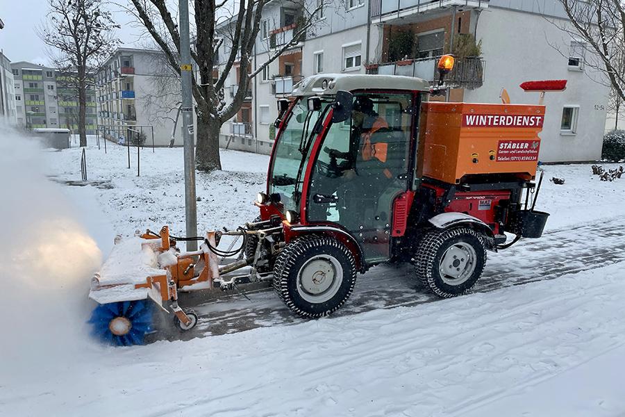Schneeräumdienst in Giebel. Foto: Hans-Martin Goede