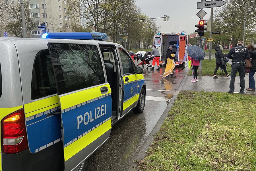 Auto contra Fußgängerin - 43-Jährige verletzt. Foto: GOEDE