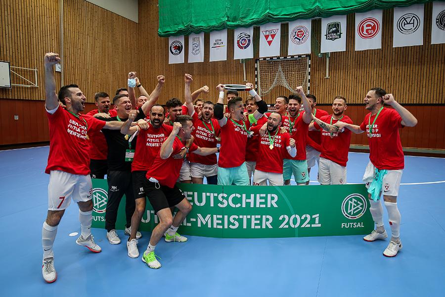 Foto (TSV Weilimdorf): am 22. Juni 2021 gewann die Futsal-Mannschaft des TSV Weilimdorf zum zweiten Mal die Deutsche Meisterschaft. Nun wird um den Titel des Europameister gekämpft.