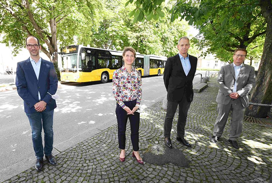 Foto-1_Impfen-gegen-das-Coronavirus_Stadt-startet-Spritz-Tour_Foto-Franziska-Kraufmann_Rechte-LHS_290721