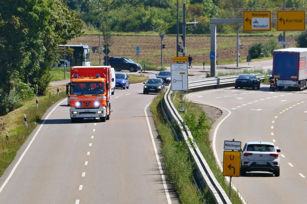 Anfahrt Feuerwehr Gewerbegebiet Weilimdorf Foto: Andreas Rometsch